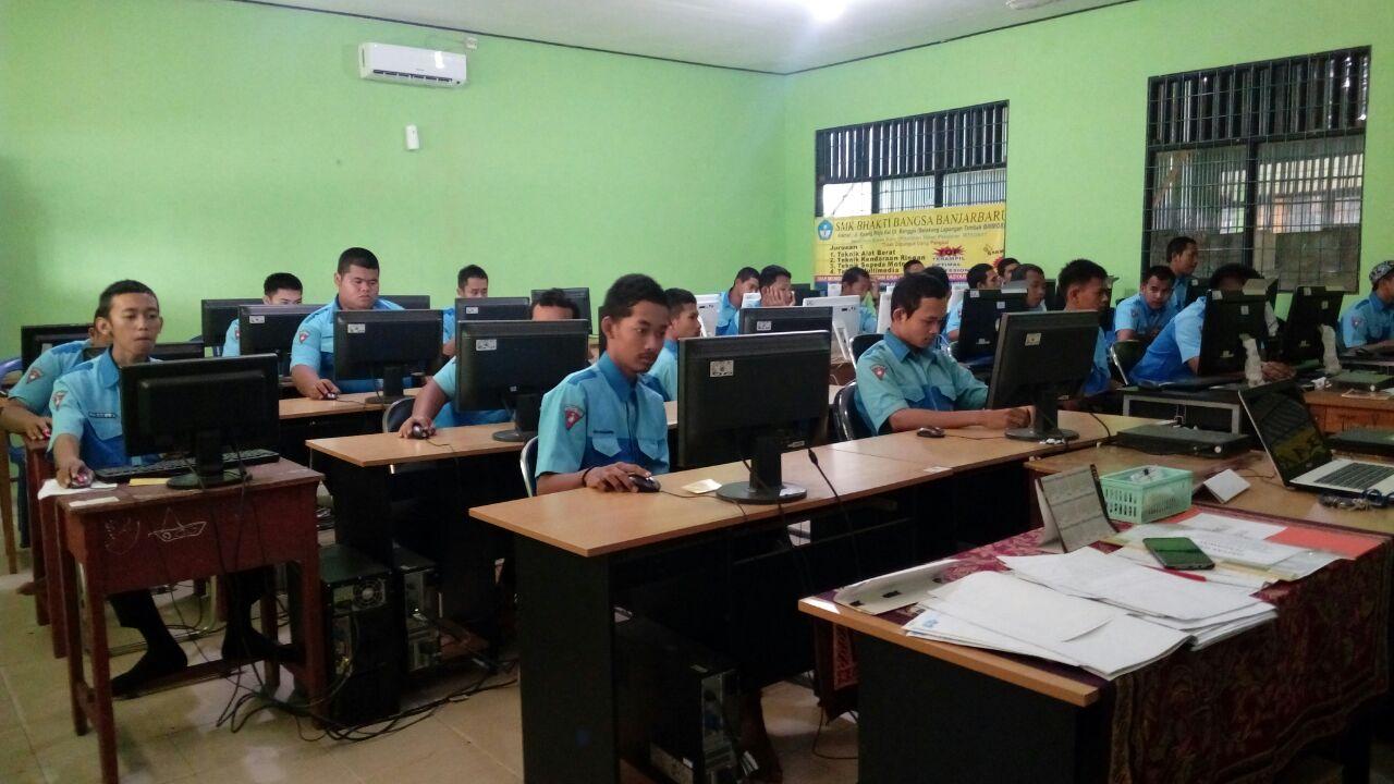 Pelaksanaan USBN Kelas XII Berbasis Komputer