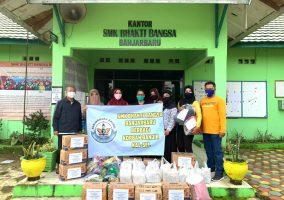 SMK Bhakti Bangsa Banjarbaru Berbagi Bantuan Korban Banjir Kal-Sel
